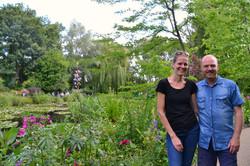Merete og Roar i Monets Have