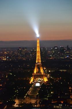 Eiffeltårnet by night