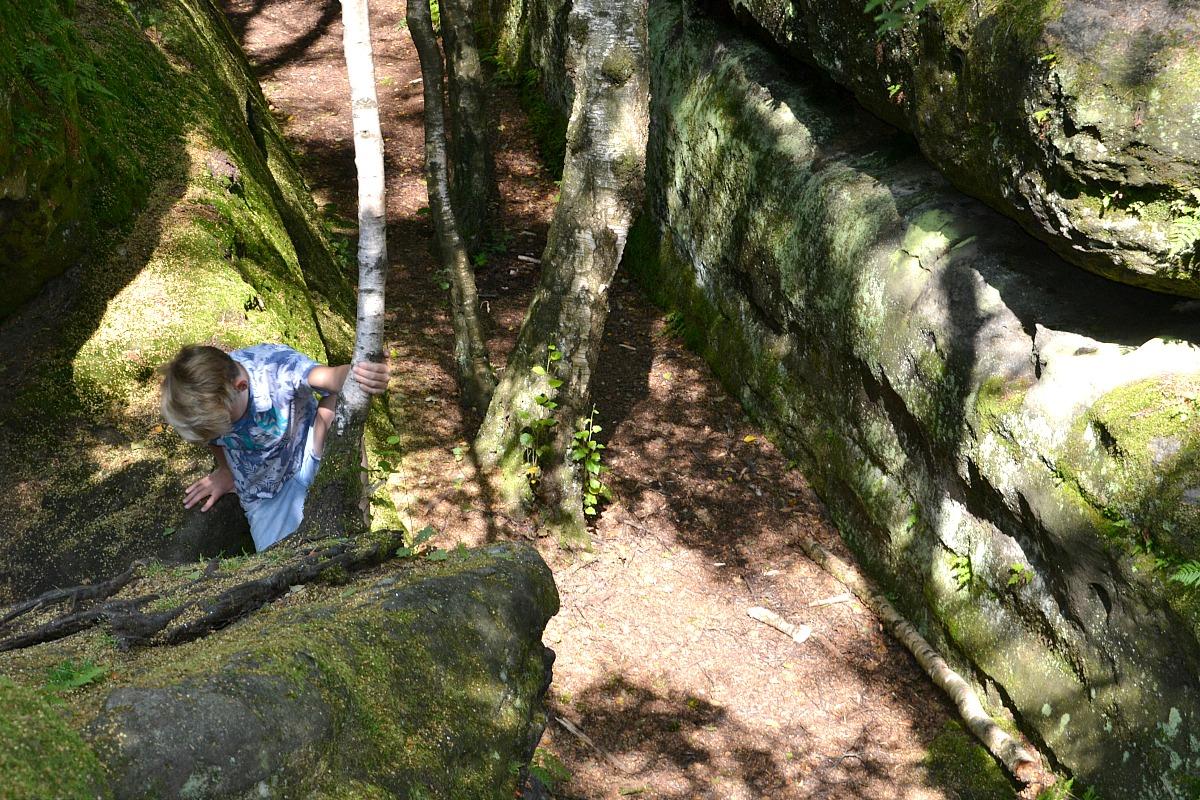 Labyrint Hjalte klatrer