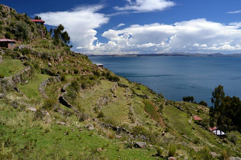 Udsigt_Taquile_og_Titicacasøen.jpg