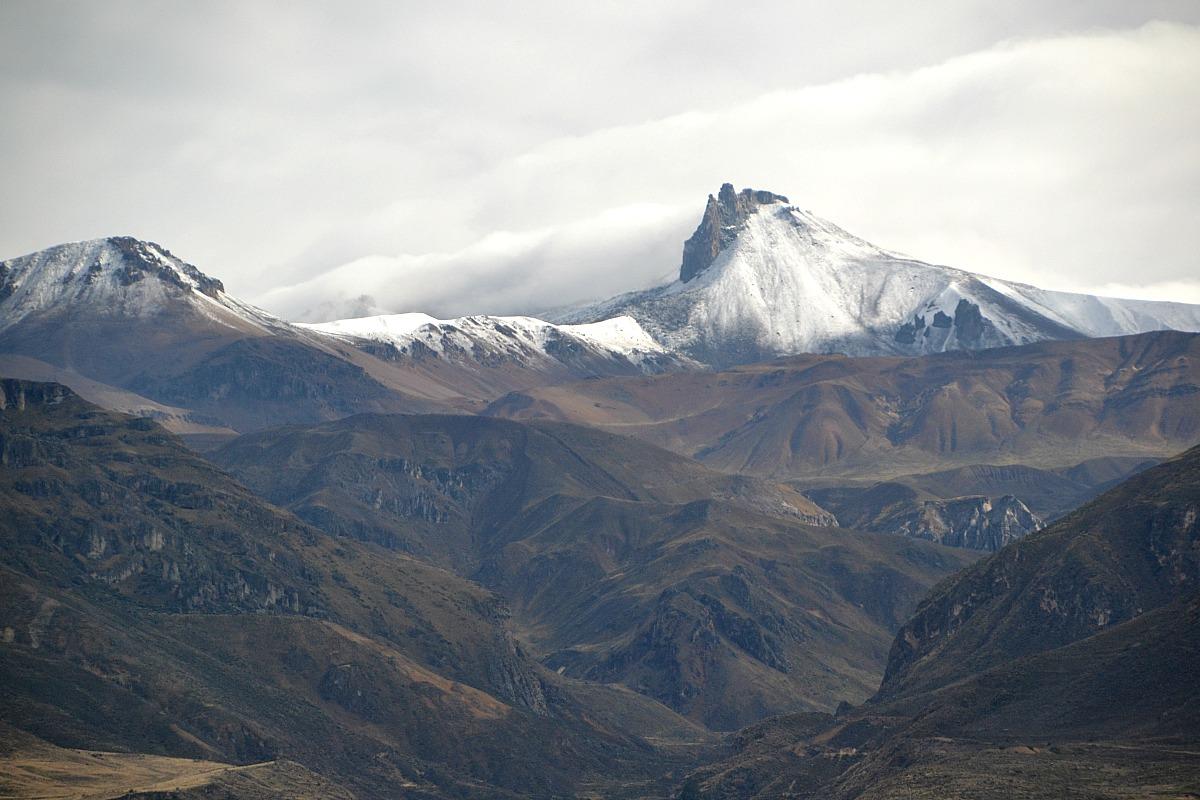 Sneklædt bjergtop