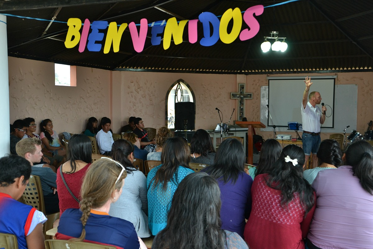 14 Roar predicando en Campel