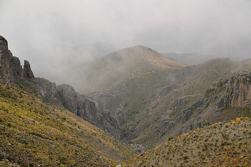 Bjerg - skyer Chivay.jpg