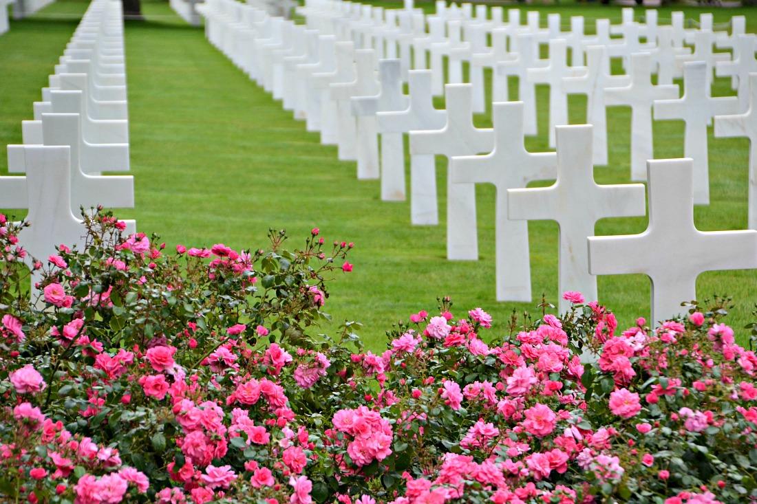 Omaha kors med blomster