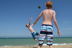 Volley flyvende Hjalte