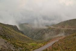 En tåget bjergvej uden for Chivay