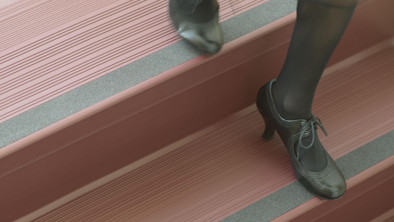 johnsonite-rubber-stair-treads-photos.jp