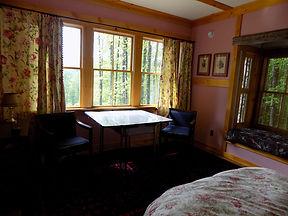 bedroom 3 homeaway.JPG