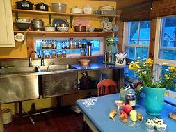 Kitchen nice.jpg