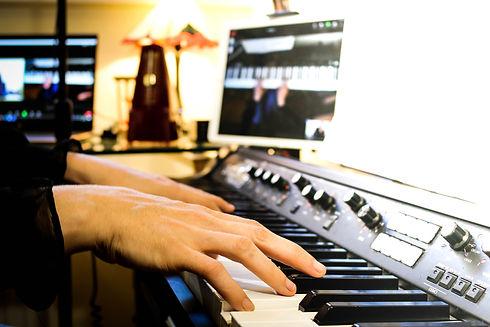 Website Piano Hands (1 of 1).jpg