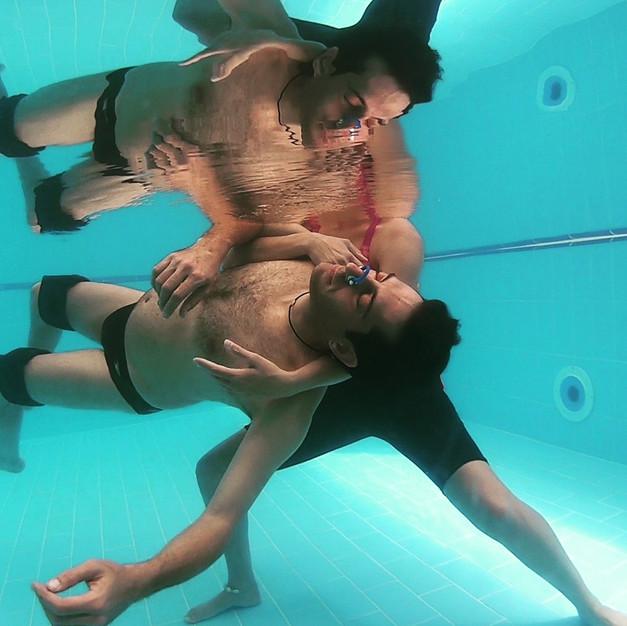 מפגשים במים Waterdance