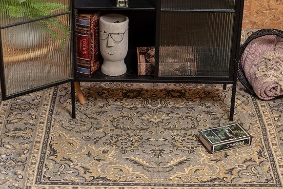 שטיח עיטורים אפור בהיר