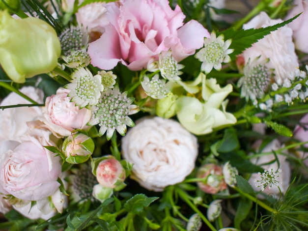 wedding flowers wedding florist wedding planning wedding planner Surrey cotswolds Buckinghamshire Berkshire wedding