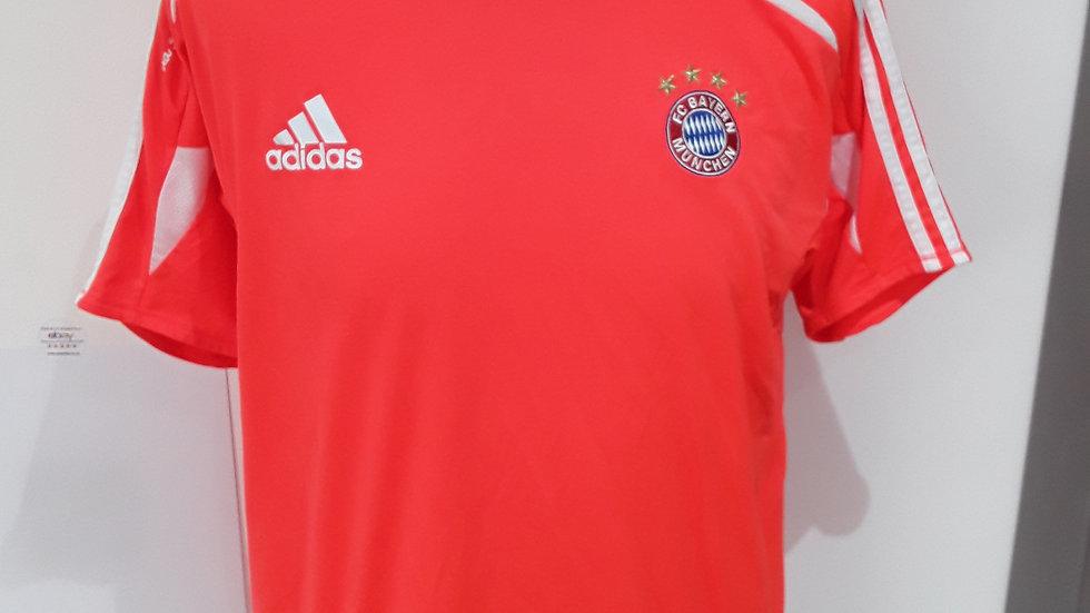 Bayern Munich Training Shirt. S