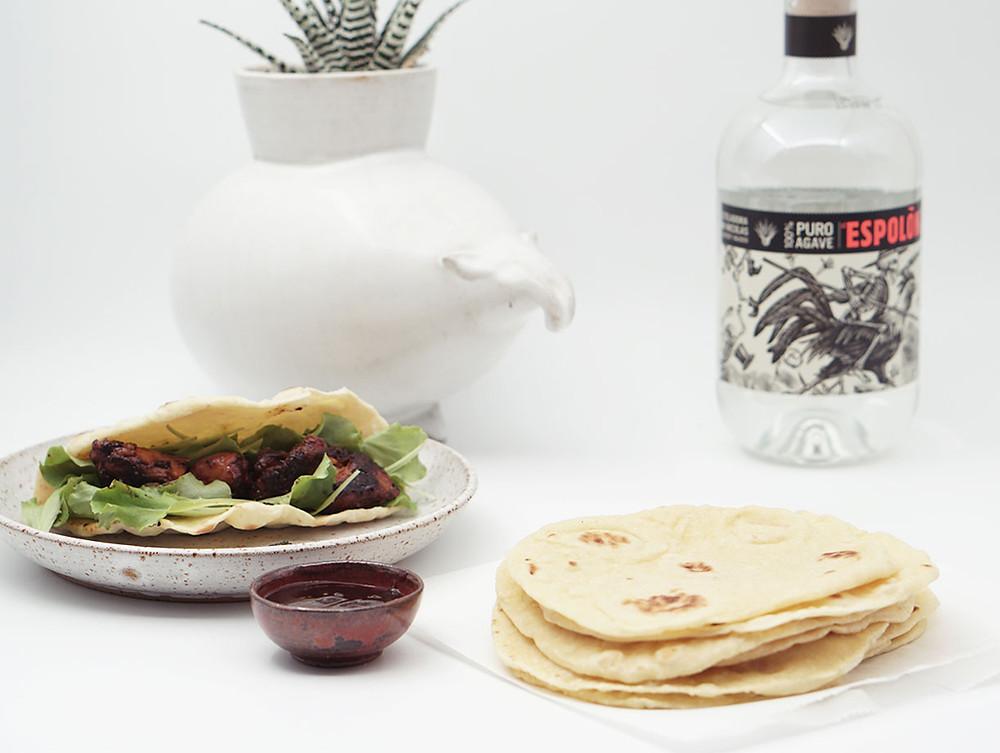 ארוחה מקסיקנית, טורטיה, רוטב bbq, פרגיות ברוטב בברקיו