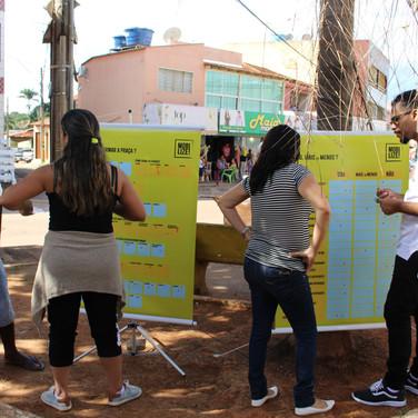 Estudantes de arquitetura voluntários nos ajudaram na aplicação da pesquisa