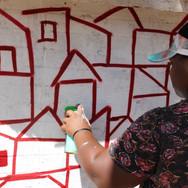 Um grafite bem especial produzido pela grafiteira da cidade...