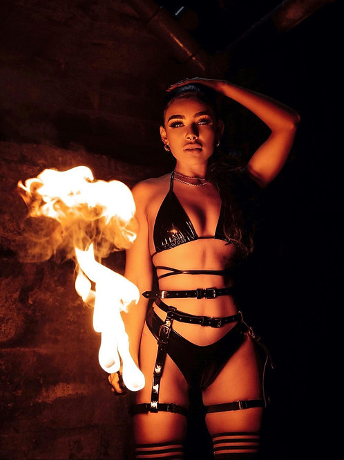 Alexis - Fire breather