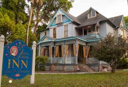Seven Sisters Inn for sale_edited