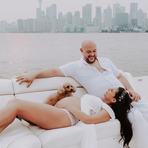 Toronto Maternity Photo Session On a Boat!