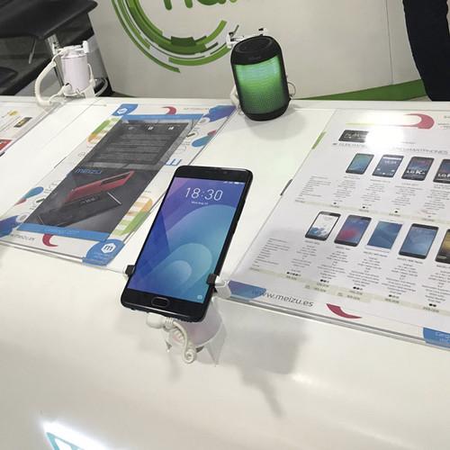 EXPO-SMARTPHONE-INTERIOR.jpg