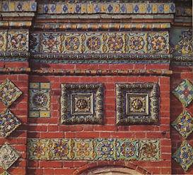 Ярославль. Тихвинская церковь.  Фрагмент фасада с декором.1686