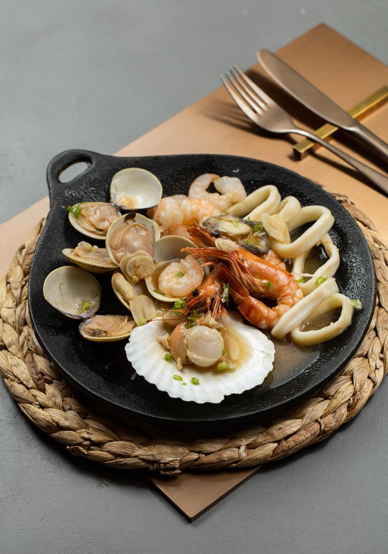 Fresh Seafood in Korean Teriyaki Sauce -