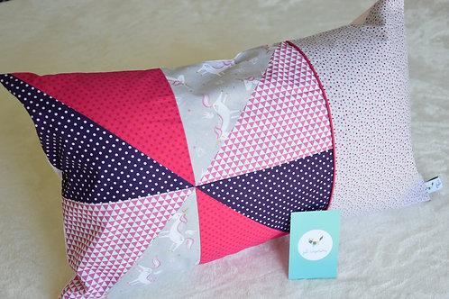 Coussin de décoration tons rose et violet