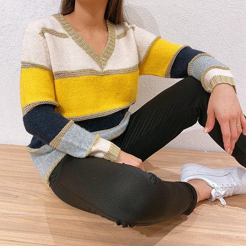 C22 Sweater V combinado