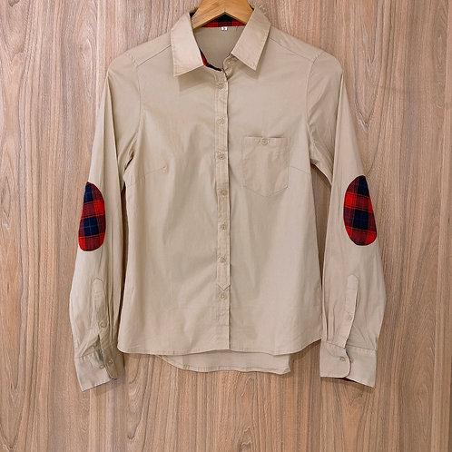 C50 Camisa Con Parche