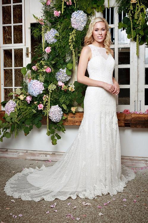 Amanda Wyatt Ivory Lace Gown