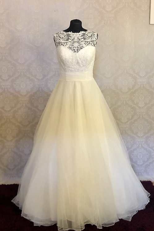 Eternity Ball gown Lace