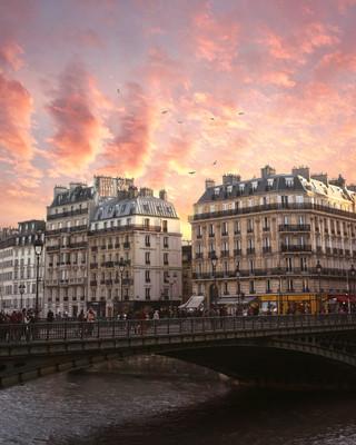 ParisCoucher2.jpg