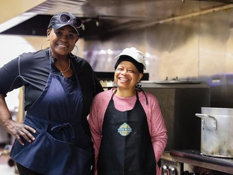 Avós negras alimentam suas comunidades e passam a tradição adiante
