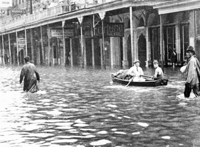 The aftermath of the Great Galveston Hurricane on The Strand. Courtesy of Wikipedia.
