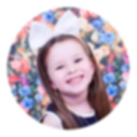 Award winning Glasgow based childrens photographer at a cheap budget price