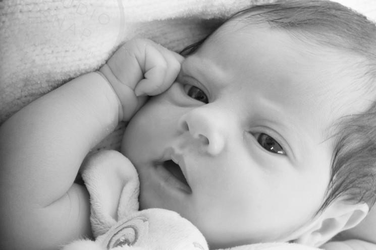 Glasgow based newborn photographer.