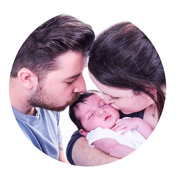 Award winning Glasgow based family photographer at a cheap budget price