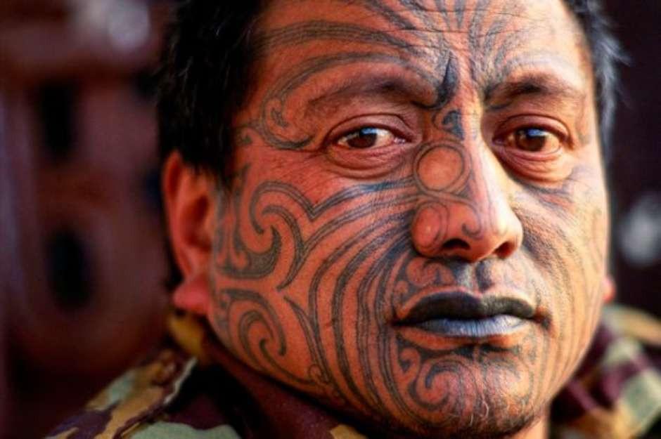 Homem Maori com Tatuagem Ta Moko