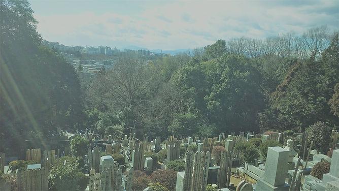 玉泉寺境内墓地頂上.jpg