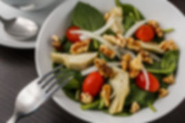 fresh spinach and artichoke salad
