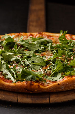 fresh arugula pizza
