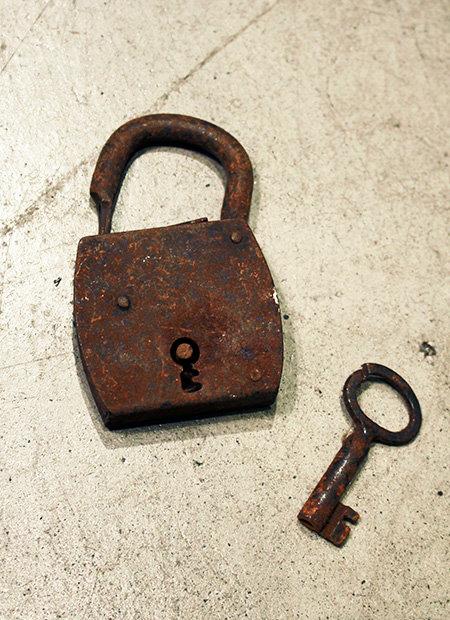 Padlock Key  |  パドロックキー 17020