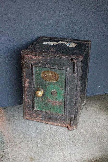 UK Safety Box  |  イギリス製金庫 1301-088