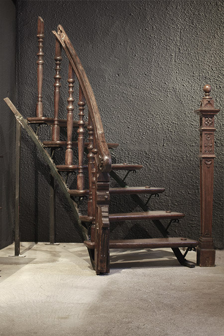 Stairway  |  袖階段 1301-095