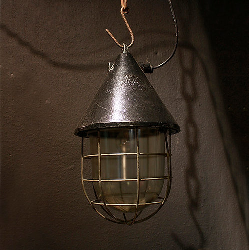 EOW Industrial Pendant Light  |  EOW社 インダストリアルペンダントライト 1301-008