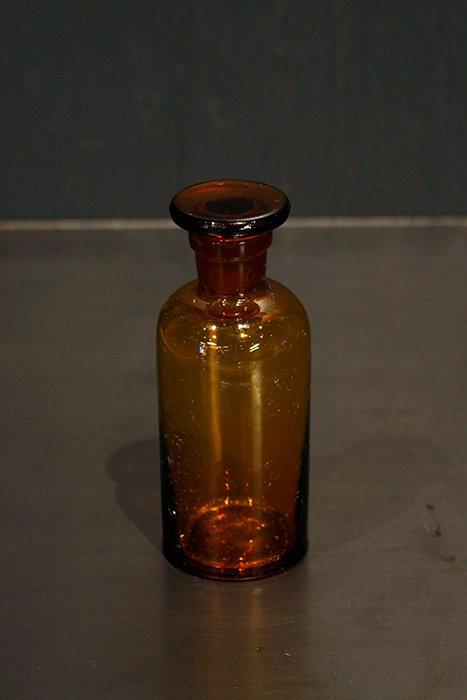 Medicine Bottle | 薬品瓶 170611