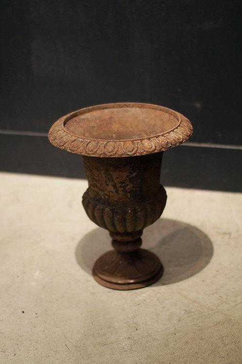 Flower Base Iron   |  鋳鉄製のフラワーベース 190127