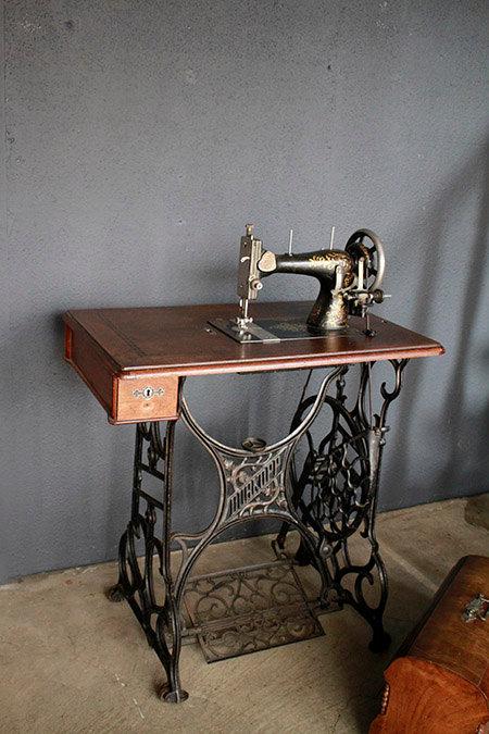 Dürkopp Adler Sawing Machine  |  デュルコップ アドラー ミシンテーブル 1301-033