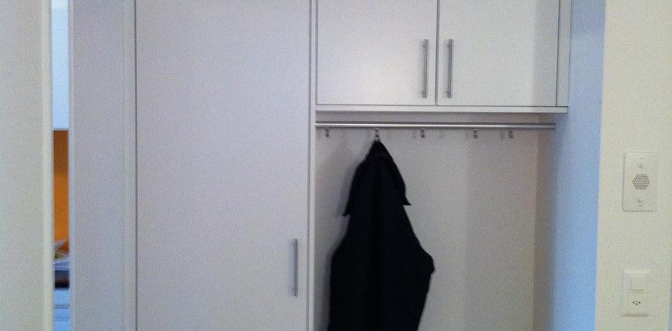 Garderobenschrank in Meggen